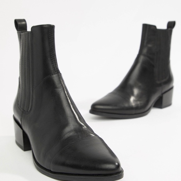 Urban Outfitters Shoes   Vagabond